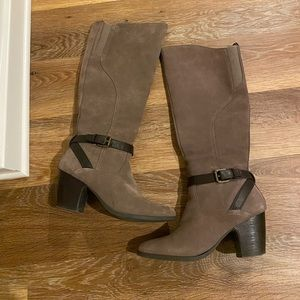EUC Knee High Suede Boots